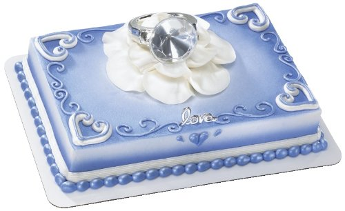 With this Ring DecoSet Cake Decoration