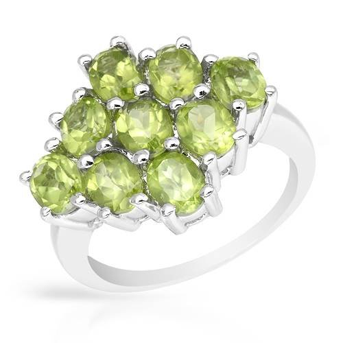 Sterling Silver 3.15 CTW Peridot Ladies Ring. Ring Size 7. Total Item weight 6.0 g.