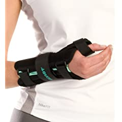 Aircast A2 Wrist Brace with Thumb Spica-Right-Medium by Aircast