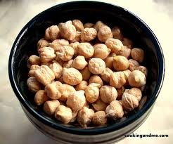 Spicy World Chick Peas Kabuli Chana 2 Pounds from Spicy World