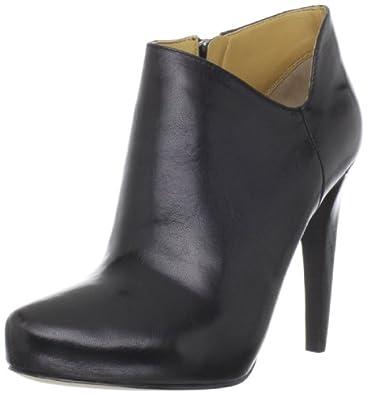 Nine West Women's Cosy Bootie,Black Leather,10 M US