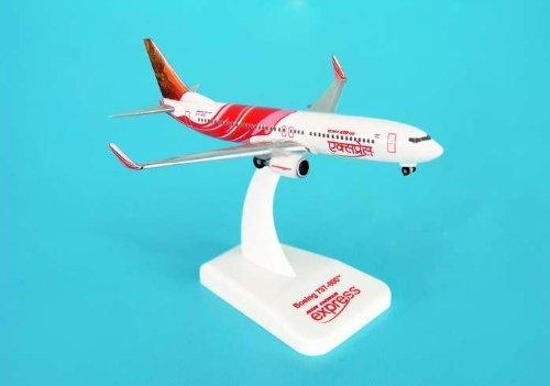 hogan-500-scale-die-cast-hg8072-air-india-express-737-800-1-500-reg-vt-axg-by-daron-worldwide