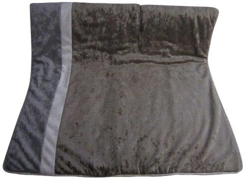 Velvet Dust Ruffle front-920837