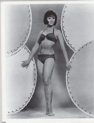 PHOTO D1576 Yvonne Craig Leggy Bikini Barefoot at Amazon's