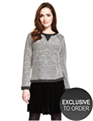 Petite Textured Contrast Trim Sweat Top