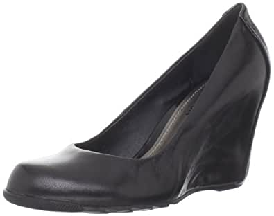 Kenneth Cole REACTION Women's Did U Tell Wedge Pump,Black,5 M US