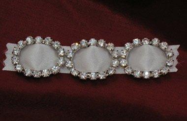Rhinestone Buckle Oval Small Crystal - 3 per pack