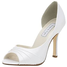 Bridal shoes with different styles and models.