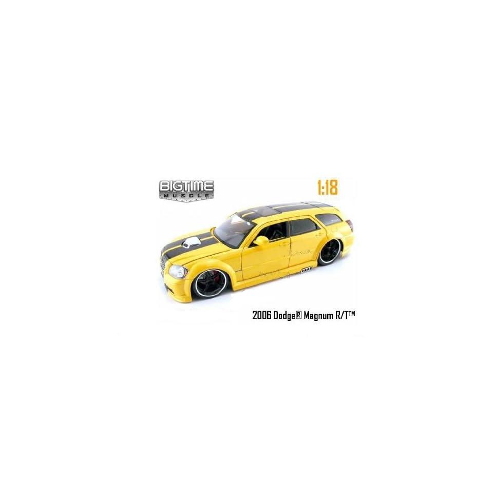 Jada Toys Dub City Bigtime Muscle   Dodge Magnum R/T SUV (2006, 118, Yellow) diecast car model