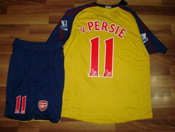 08-09 ARSENAL FC AWAY JERSEY VAN PERSIE + FREE SHORT (SIZE XL)