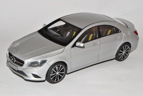 Mercedes-Benz CLA C117 Designo Polar Silber Limousine Ab 2013 1/18 Norev Modell Auto