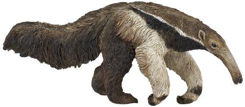 「主人がオオアリクイに殺されて‥‥」という有名なスパムがありますが、実際にオオアリクイは鉤爪を持っていて人を襲って殺すこともあるらしい。