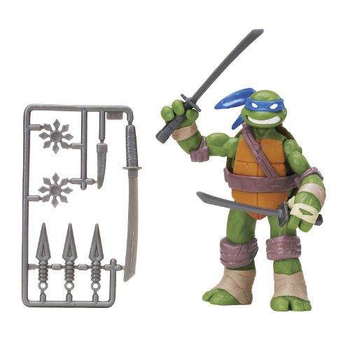 Teenage Mutant Ninja Turtles Classic Collection Action Figure - Leonardo