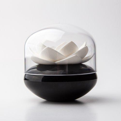 qualy-ql10157b-w-wattestabchen-aufbewahrung-lotus-cotton-bud-holder-schwarz-weiss