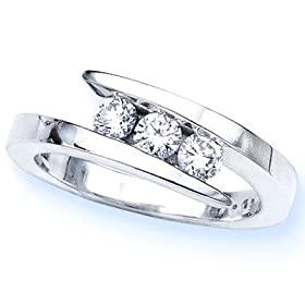 14K White Gold 3 Stone Channel Set Round Diamond Ring (1/2 cttw, H-I, SI) - Size 6: DivaDiamonds