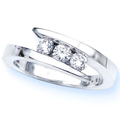 14K White Gold 3 Stone Channel Set Round Diamond Ring (1/2 cttw, H-I, SI) &#8211; Size 6