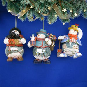 The Bradford Exchange Thomas Kinkade Memories of Christmas Ornament Set of 3