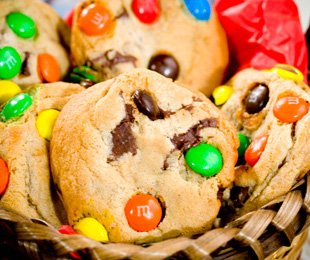 Kosher Gourmet Chocolate Chip M&M 30 Cookies Gift Tin