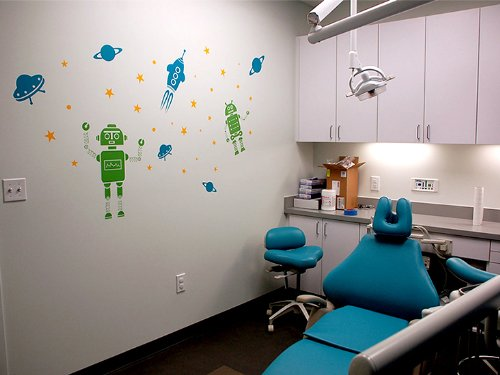 Pop Decors Removable Vinyl Art Wall Decals Mural for Nursery Room, Roaming in The Space