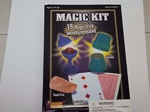 Forum Novelties 62401 Deluxe Magic Kit - 19 Magic Trick Secrets Revealed