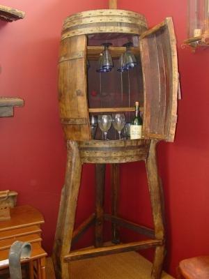 Gran mueble bar botellero decoracion rustica sfgsfew for Barril mueble bar