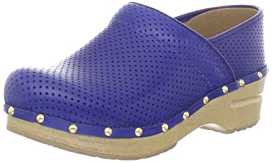 Does Alegria Make Wide Shoes For Women