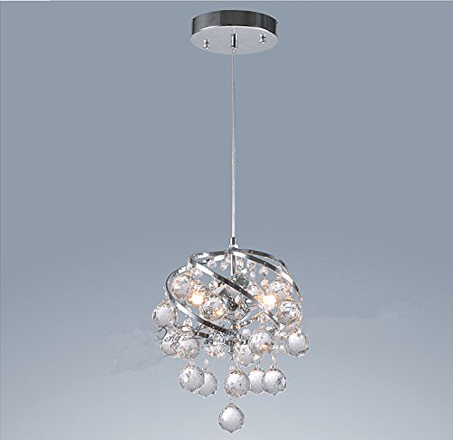 Room With Chandelier front-903318