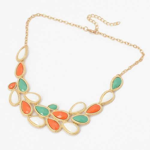 Fashion Golden Chain Jewelry Colorful Resin Leaf Adorned Pendant Necklace Picture