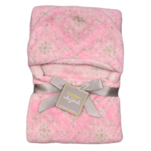 Blankets And Beyond Chic Damask Hooded Baby Blanket Pink front-27838