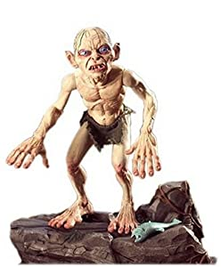 Amazon.com: Return Of The King Talking Deluxe Gollum: Toys & Games