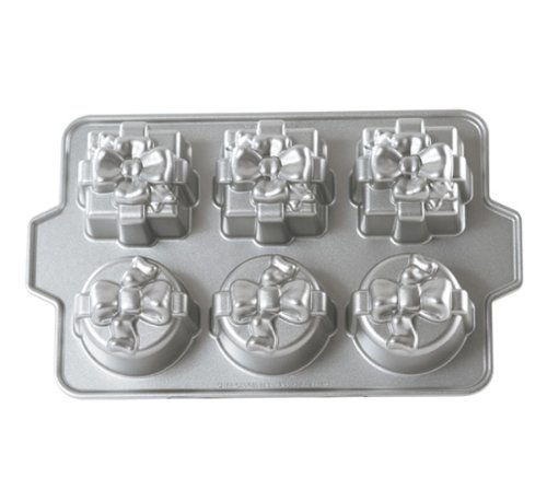 Nordic Ware Platinum Gift Cakelette Pan front-457889