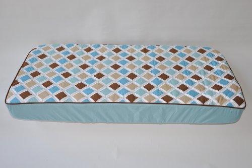 MOD Dia/Str Aqua/Choc Quilted Top Crib Sheet