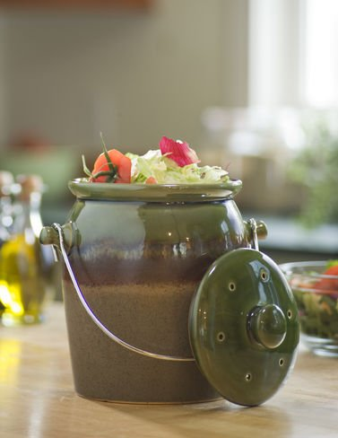decorative-green-stoneware-kitchen-compost-crock-with-filter-included