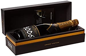 Moet & Chandon Grand Vintage 2006 Champagne 75 cl (Gift Box)