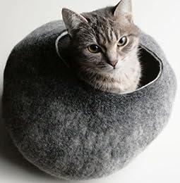 まぁるくてヌクヌクな猫ちゃんの隠れ家!Felted Cat House ブルータン