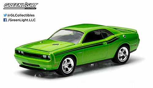 2011 Dodge Challenger R/T (Green With Envy) GL Muscle Series 11 Greenlight Collectibles 1:64 Scale 2015 Die-Cast Vehicle & Trading Card (Greenlight Dodge Challenger compare prices)