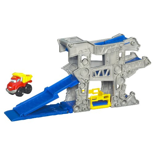 Tonka Chuck Mini Fold N Go - Gas Up Garage - 1