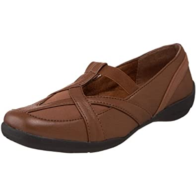 Easy Street Women's Driver Slip-On,Tan,5 M US