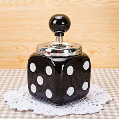Quadrato Push Down portacenere dadi, regalo perfetto per fumatori e ideale per uso personale Black