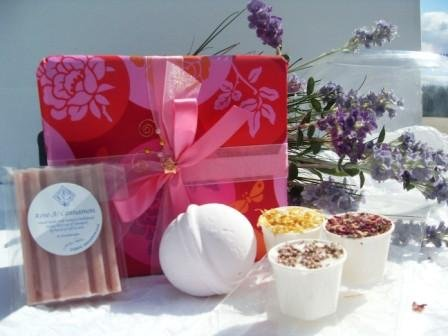 Sensual ROSE Bath Time Bliss Luxury Aromatherapy Pampering Gift Set containing THREE Shea Butter Bath Indulgences in Lavender, Rose & Patchouli and Lemongrass & Lime, ONE Rose bath Bomb and ONE Rose & Cinnamon Handmade Soap with Essential Oil Great Gift I