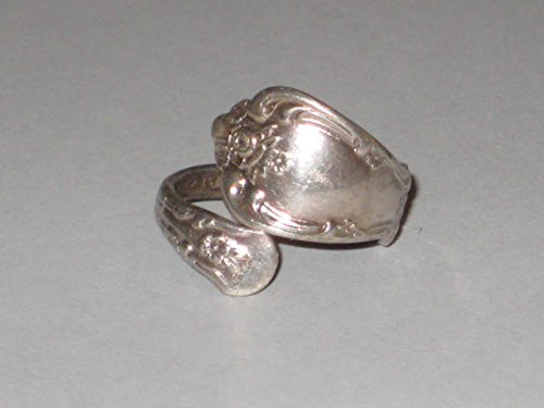 Vintage W.M. A ROGERS ONEIDA LTD. Silver Plated Spoon Handle Ring Size 8 or Adjustable