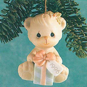 Precious Moments 1996 Wishing You A Bear-ie Merry