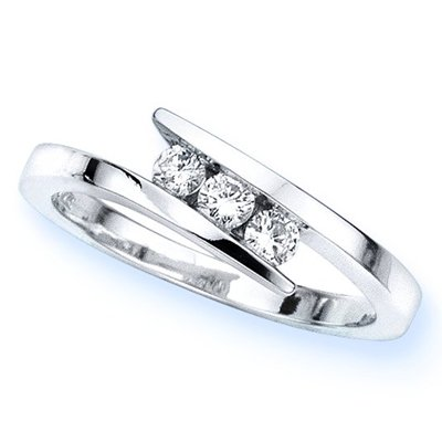 14K White Gold 3 Stone Channel Set Round Diamond Engagement Ring (1/4 cttw, H-I, SI) &#8211; Size 6