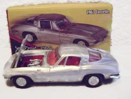 Ertl Collectibles 1963 Chevy Corvette Sting Ray - 1