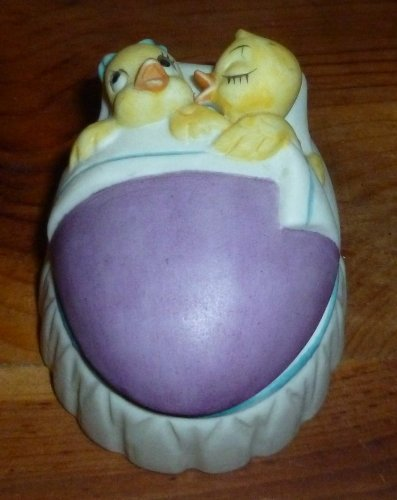 Lefton China Easter Ducks Figurine Box
