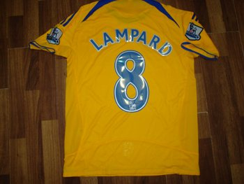 08-09 CHELSEA FC AWAY JERSEY LAMPARD + FREE SHORT (SIZE XL)