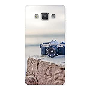 Delighted Camera on Rock Multicolor Back Case Cover for Galaxy Grand 3
