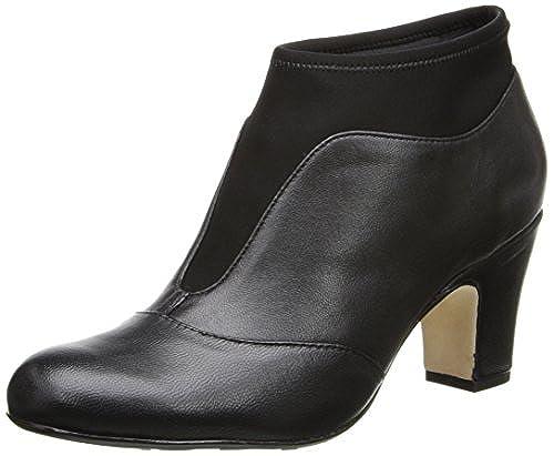 02. Taryn Rose Women's Tavie Boot