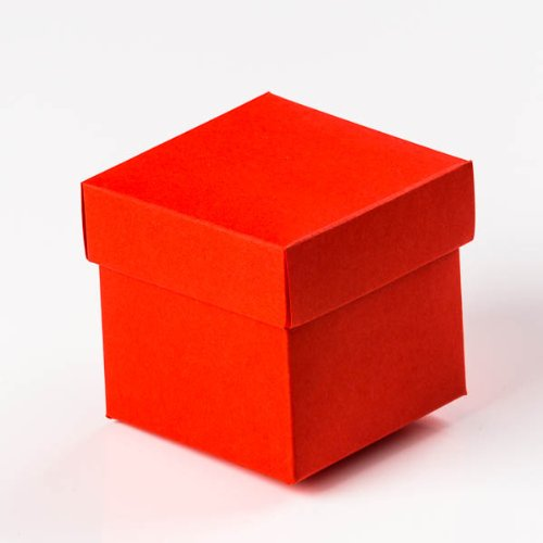 Robin Red Wedding Gift Favour Boxes with lift off Lids. - Size 45mm x 45mm x 45mm - Flat Packed - Packet of 10