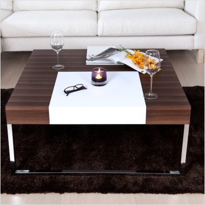 Bailey Coffee Table in Walnut